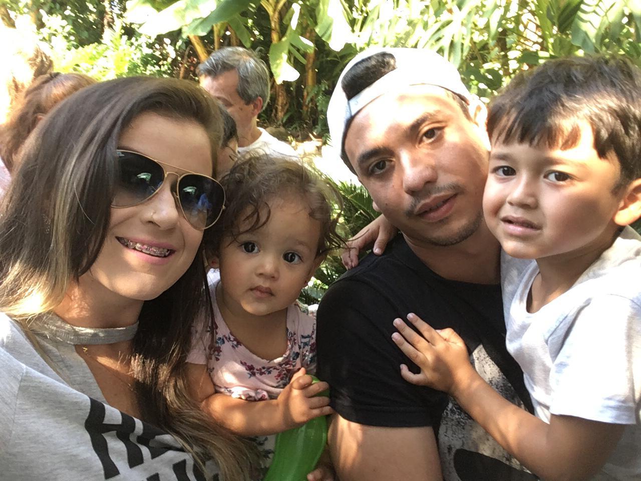 Mamãe Sarada e família unida
